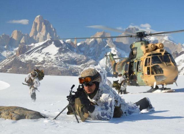 """El Ejército de Chile preocupado por desarrollar """"soberanía efectiva ... a2adb9e5913"""