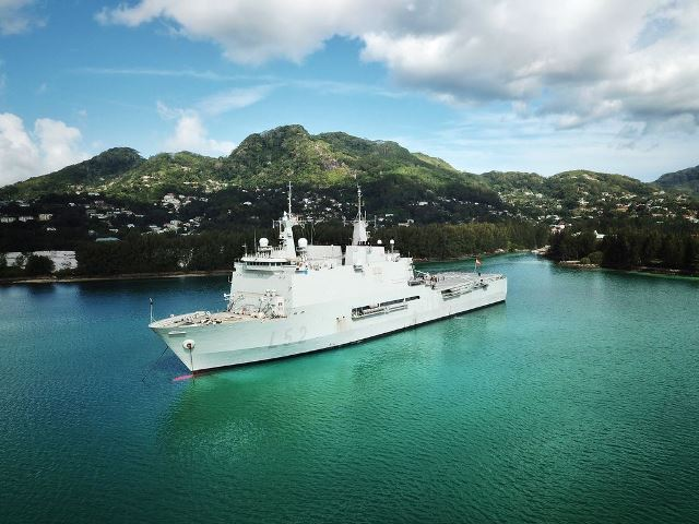 El buque de asalto anfibio Castilla de la Armada podría visitarse en Motril -noticia defensa.com - Noticias Defensa España
