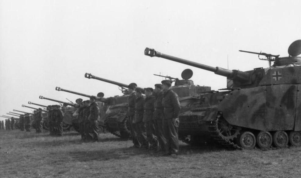 En líneas generales la Caballería alemana evolucionó al mismo compás que la  de otras naciones. Las diferencias entre los Cuerpos Montados de uno u otro  país ... 3334d3c2834